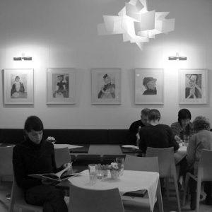 pic2_delphin_agnes_neuhaus_cafe